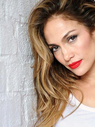 Jennifer Lopez Miami sahillerini salladı