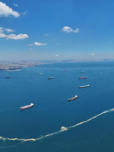 İstanbul sahillerinde kilometrelerce müsilaj hattı! Havadan görüntülendi