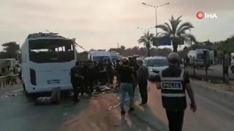 Son Dakika Antalya'da havaalanına giden otobüs takla attı! Ölü ve yaralılar  var