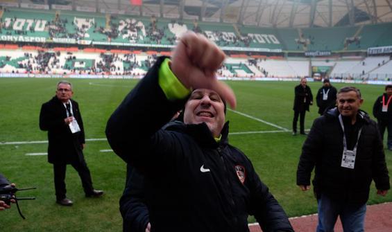 Maç sonundaki hareketi Konyasporluları çıldırttı