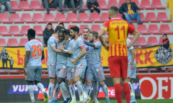 Başakşehir, Kayseri'de 4 golle kazandı