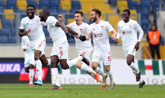 Sivasspor sallandı ama yıkılmadı