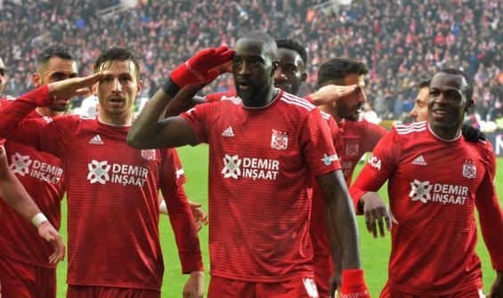 Lider Sivasspor, devreyi 3 puanla kapattı