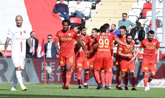 Göztepe, Antalyaspor'u 3 golle geçti
