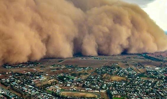 Avustralya'yı yangınların ardından toz fırtınası, dolu ve sel vurdu ile ilgili görsel sonucu