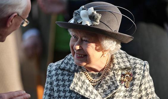 Kraliçe Elizabeth'in gizli Facebook hesabı mı var?
