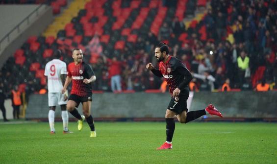 Gaziantep FK, lider Sivasspor'u dağıttı