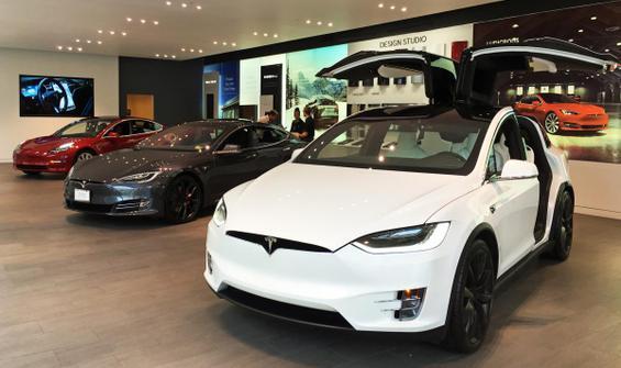 Tesla Motor 2 milyar dolarlık hisse satıyor!