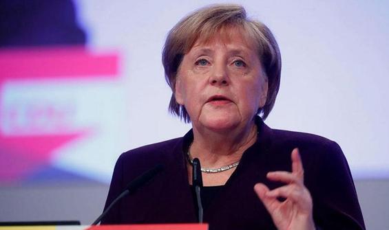 Merkel'den Sudan'a destek!