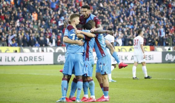 Trabzonspor, Sivasspor'u 2 golle geçti
