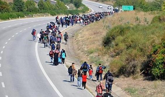 hangi sınır kapıları açıldı mülteci ile ilgili görsel sonucu