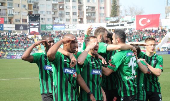 Denizlispor, Yeni Malatyaspor'u 2-0'la geçti