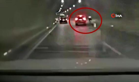 Tünel içinde bisikletliyi yol kenarına böyle savurdu