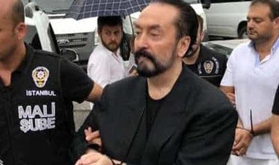 Adnan Oktar duruşma salonundan çıkarıldı