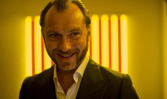 """Jude Law, """"Kaptan Kanca"""" olabilir"""