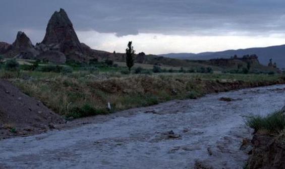 Nevşehir'de sağanak, sele neden oldu