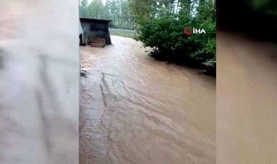 Sağanak yağış sele neden oldu...Ekili araziler zarar gördü