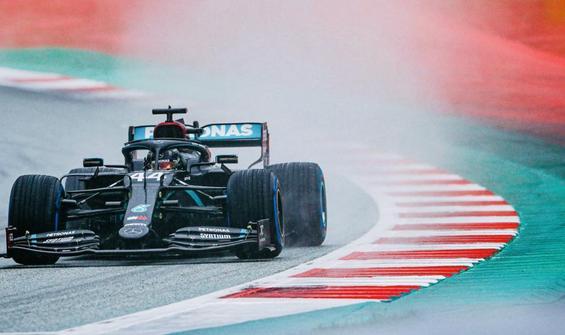 Sezonun ikinci pole pozisyonu Hamilton'ın