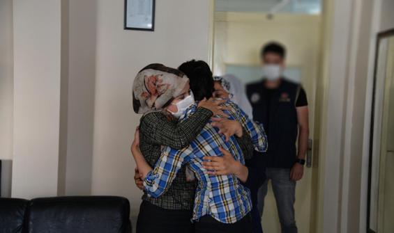 Teslim olan PKK'lı ailesiyle böyle buluşturuldu