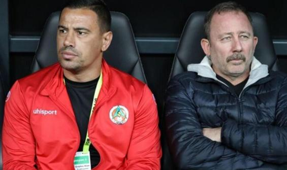 Alanyaspor'un yeni teknik direktörü Çağdaş Atan oldu