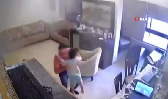 Oğlunu patlamadan böyle korumaya çalıştı