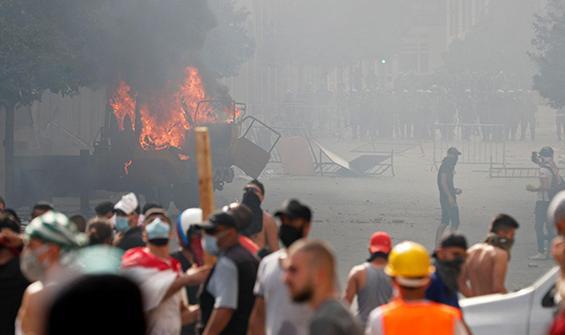 Beyrut'ta çatışma: Biber gazıyla müdahale ediliyor
