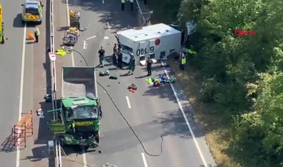 Cezaevi aracı kamyonla çarpıştı: 4 yaralı