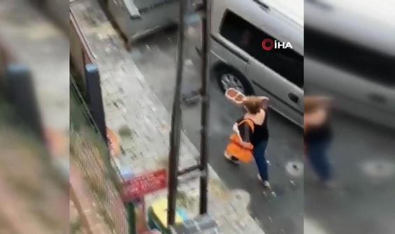 Sokak hayvanlarının mamalarını çöpe attı