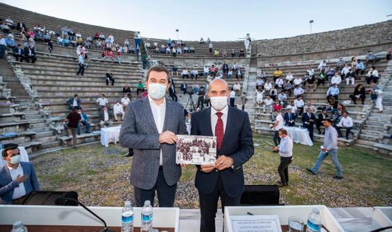 2 bin 400 yıllık Asklepion Tiyatrosu'nda tarihi karar!