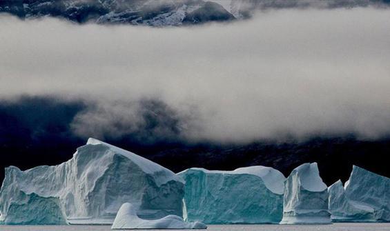 30 yıldan kısa sürede 28 trilyon ton buzul eridi
