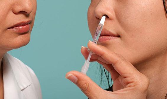Dünyada ilk: Koronavirüse karşı burun spreyi!