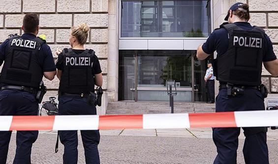 Neo Nazi paylaşımları Alman polisleri görevinden etti