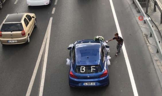 Gelin arabasını çocuğun üzerine sürdü