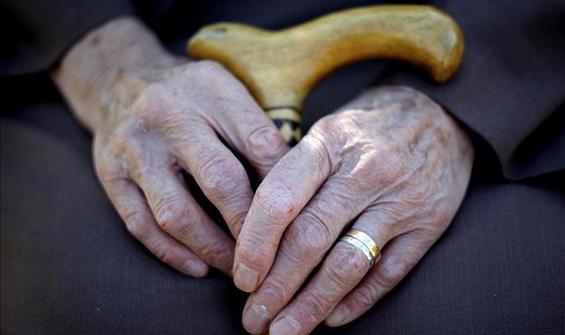 İran'da 7 dakikada bir kişi alzheimer oluyor