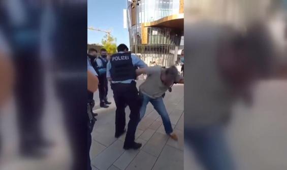 Alman polisinden engelli kişiye şiddet