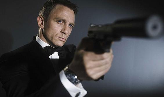 James Bond'un silahları çalındı, polis halktan yardım istedi