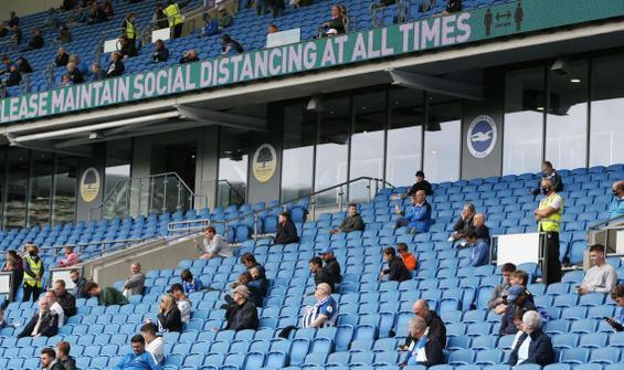 İngiltere'de seyirci kısıtlaması devam edecek