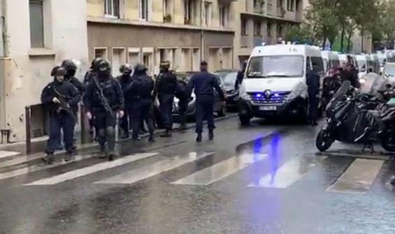 Fransa'da bıçaklı saldırı: 4 kişi yaralandı!