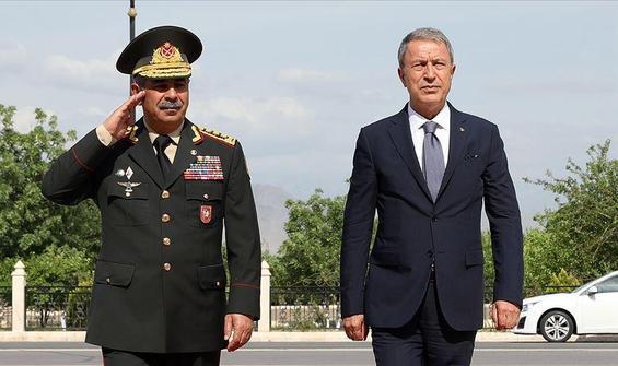 Bakan Akar ve Hasanov görüştü