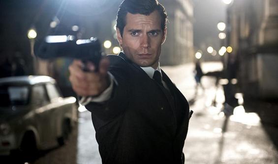 """Henry Cavill: """"Bond'u canlandırmayı çok isterim"""""""