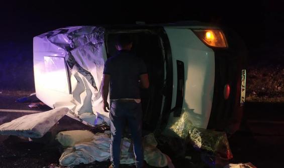 Şanlıurfa'da minibüs devrildi: 7 yaralı
