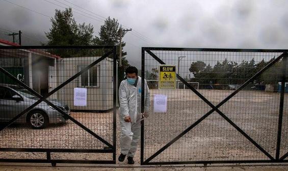 Yunanistan'da salgının başından bu yana ilk sığınmacı ölümü
