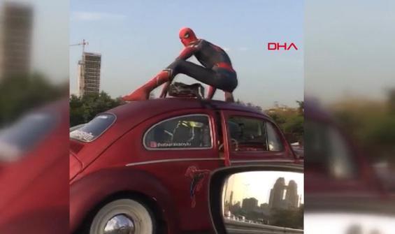 D-100'de 'örümcek adam' şaşkınlığı