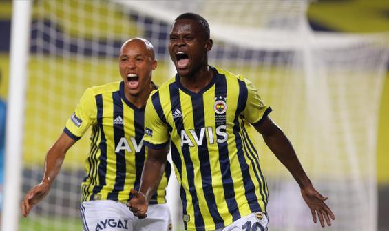 Fenerbahçe, Karagümrük'ü Samatta'nın golleriyle geçti