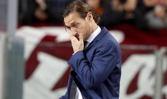 Totti'nin babası Enzo, koronavirüse yenik düştü