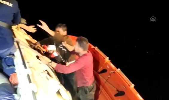 Balıkçı teknesi alabora oldu: 4 mürettebat kurtarıldı