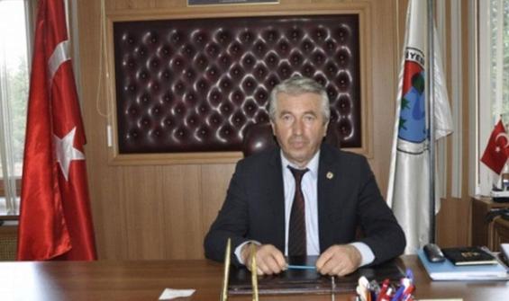 Belediye başkanı, saldırıyı önlemeye çalışırken yaralandı