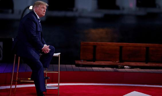 Trump, Twitter ve Facebook'u hedef aldı