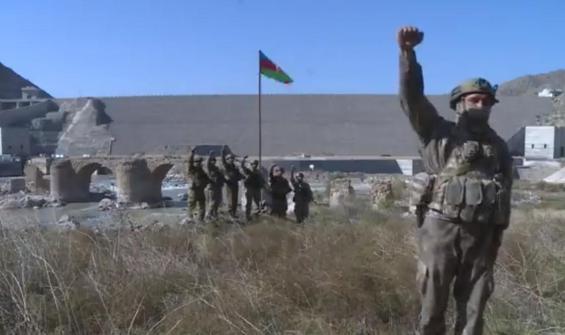 Aliyev duyurdu: Hüdaferin Köprüsü'ne bayrağımızı diktik