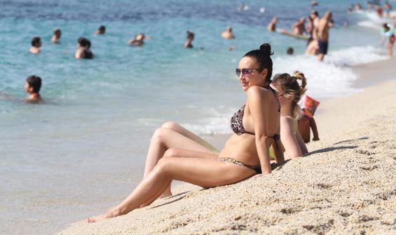 Antalya'da plajlar ekim ayında da dolu